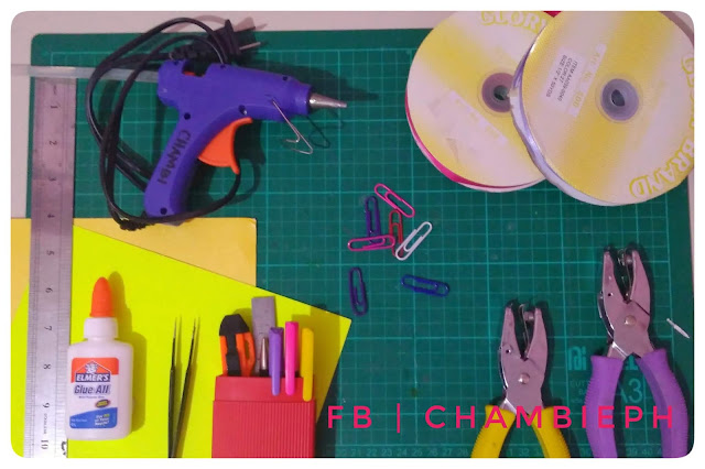 PAPER CRAFT - 10 MUST HAVE CRAFTING TOOLS AND SUPPLIES FOR BEGINNERS