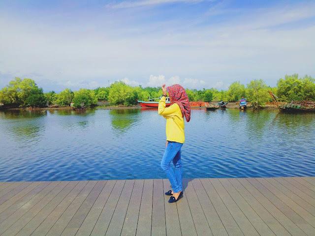 baali islandsis  tourist destinatiosn in bengkulu indonesia
