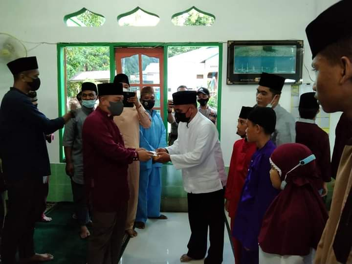 Ramadhan Ke 6, Bupati Lingga Safari Ramadhan di Kampung Tanjung Tungga Desa Penuba