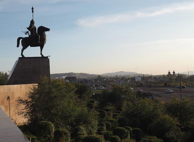 Улан-Удэ, памятник Гэсэру