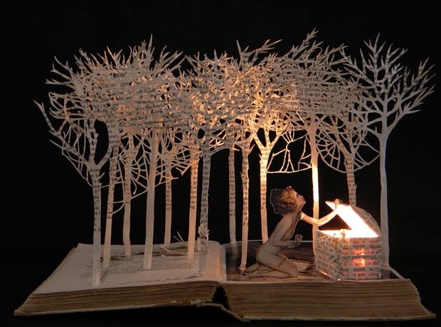01-Pandora-opens-Box-Su-Blackwell-Book-Fairy-Tale-Sculptures-www-designstack-co
