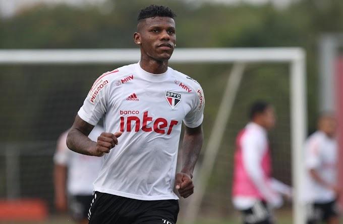 Arboleda se atrasa em volta ao São Paulo, mas clube alega que reserva na quarta foi por fadiga