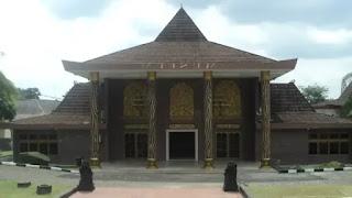 museum balaputradewa salah satu museum bersejarah di kota palembang