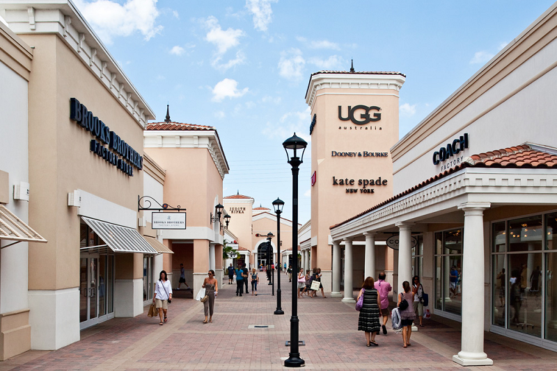 Our Miami outlet mall guide shows all the outlet malls in and around Miami, helping you locate the most convenient outlet shopping based on your location and travel plans. OutletBound has all the information you need about outlet malls near Miami, including mall details, stores, deals, sales, offers, events, location, directions and more.