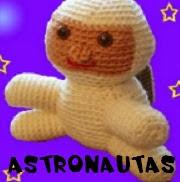 http://patronesamigurumis.blogspot.com.es/2013/12/patrones-astronautas-amigurumis.html