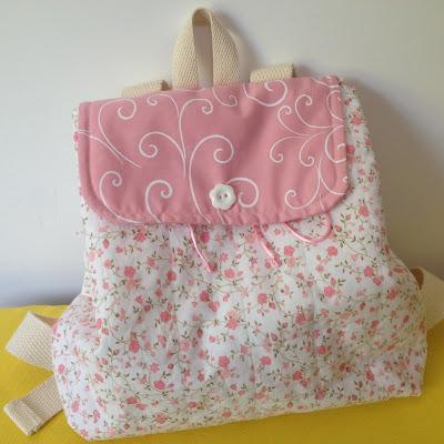 mochila infantil em tecido