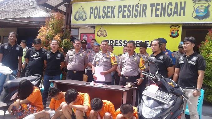 Kapolres Lampung Barat Gelar Konfrensi Pers Ungkapan Kasus  Oleh Polsek Pesisir Tengah