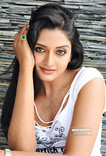 IMG 20160726 WA0232 - South Indian Serial & Non-Famous Desi Actresses 150 plus Random Images For YOU