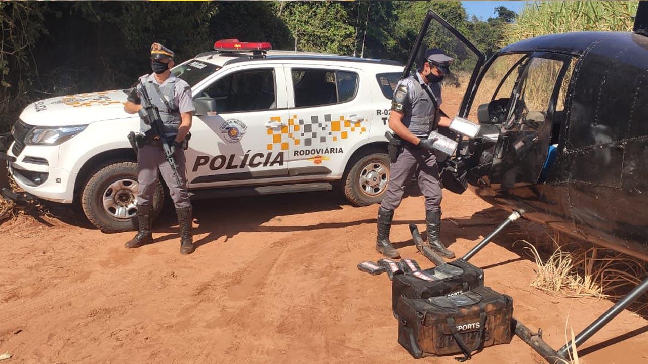 Polícia encontra cocaína abandonada em helicóptero