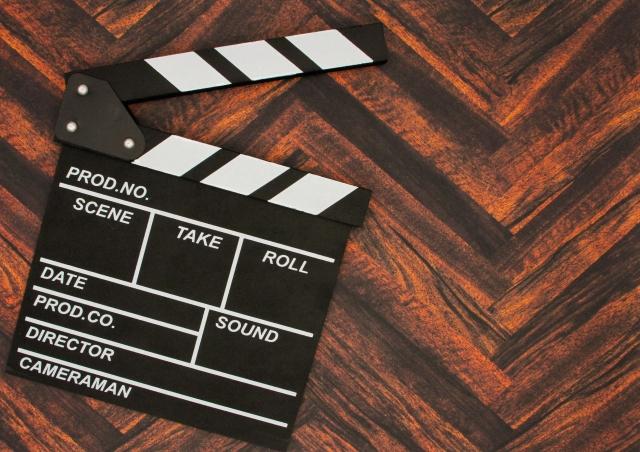 【Africa Daily】アフリカ映画にとってNetflixは生命線か?(写真AC)