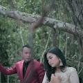 Lirik Lagu Nan Di Sayang Tunangan Urang -  Lagu Duet Minang dan Artinya