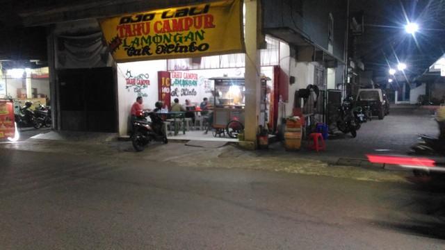 Tempat Makan Tahu Campur Enak Di Surabaya