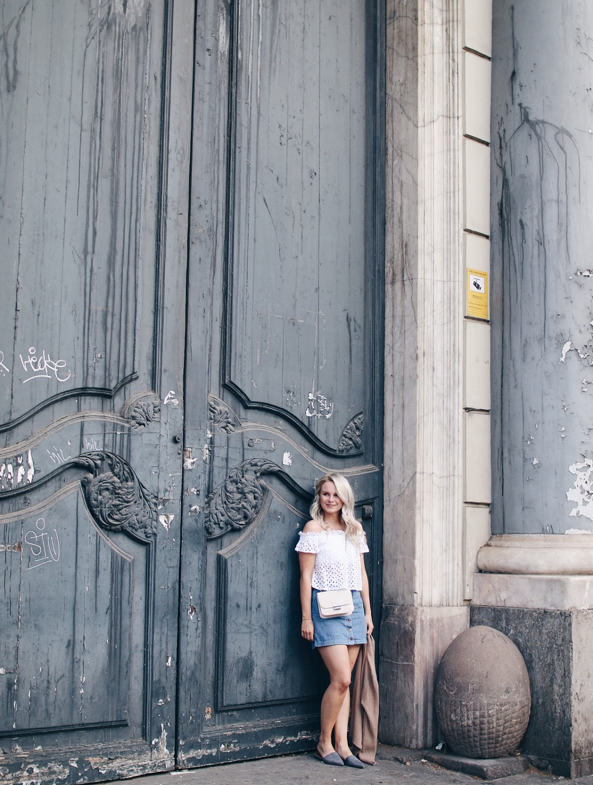summer outfit in barcelona, spain
