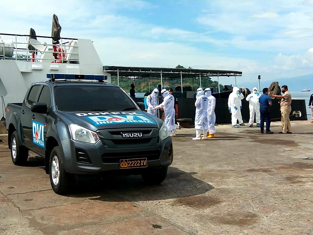 Debarkasi 155 ABK WNI dan 2 Jenazah dari Cina Berjalan Lancar Sesuai Protokol Covid-19