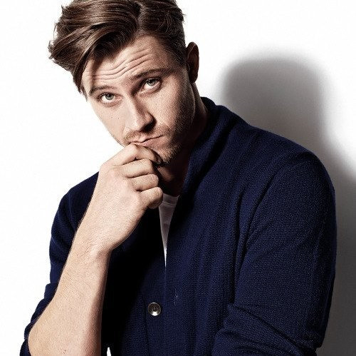 Garrett Hedlund age, girlfriend, dating, body, movies, kirsten dunst, songs, troy, pan, eragon, tron, country strong, unbroken, friday night lights, interview, photoshoot