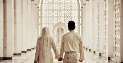Suami Istri Kembali Bersatu Di Surga Kelak
