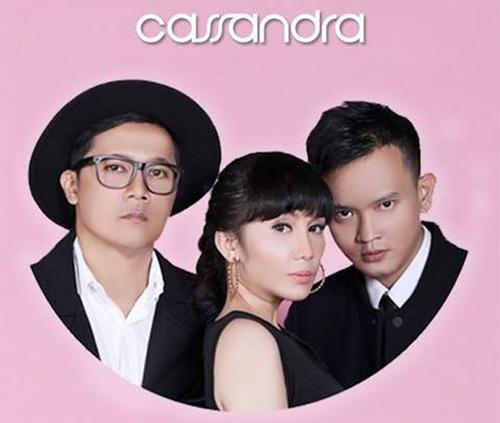 Lirik Lagu Bukan Cinta Palsu - Cassandra dari album single 2017 chord kunci gitar, download album dan video mp3 terbaru 2017 gratis