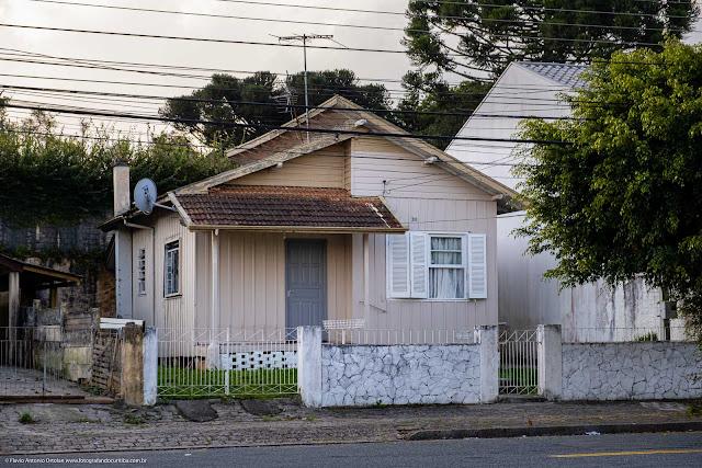 Casa de madeira na Comendador Lustoza de Andrade