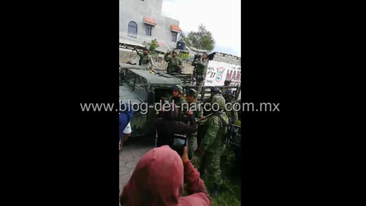 Vídeo; Pobladores defienden a Huachicoleros y agreden a Soldados en Acajete Puebla