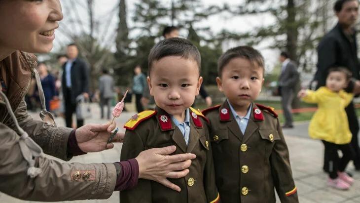 Kim Jong-un dice que habría escasez de comida en su país