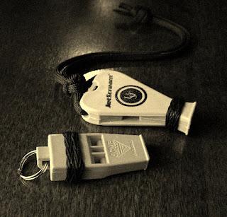 Whistle knots