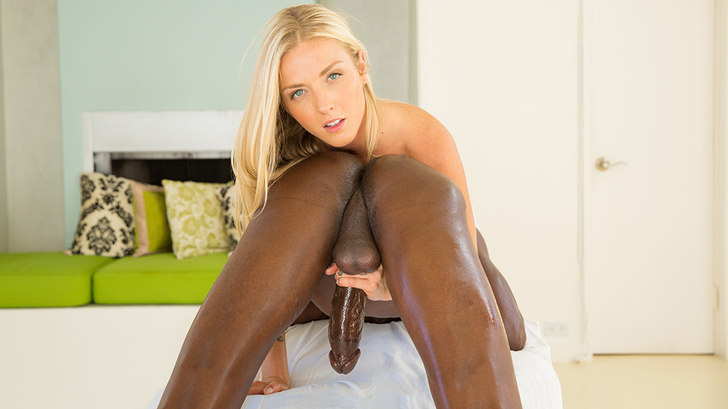 Blacked – Beautiful blonde loves massaging BBC – Karla Kush