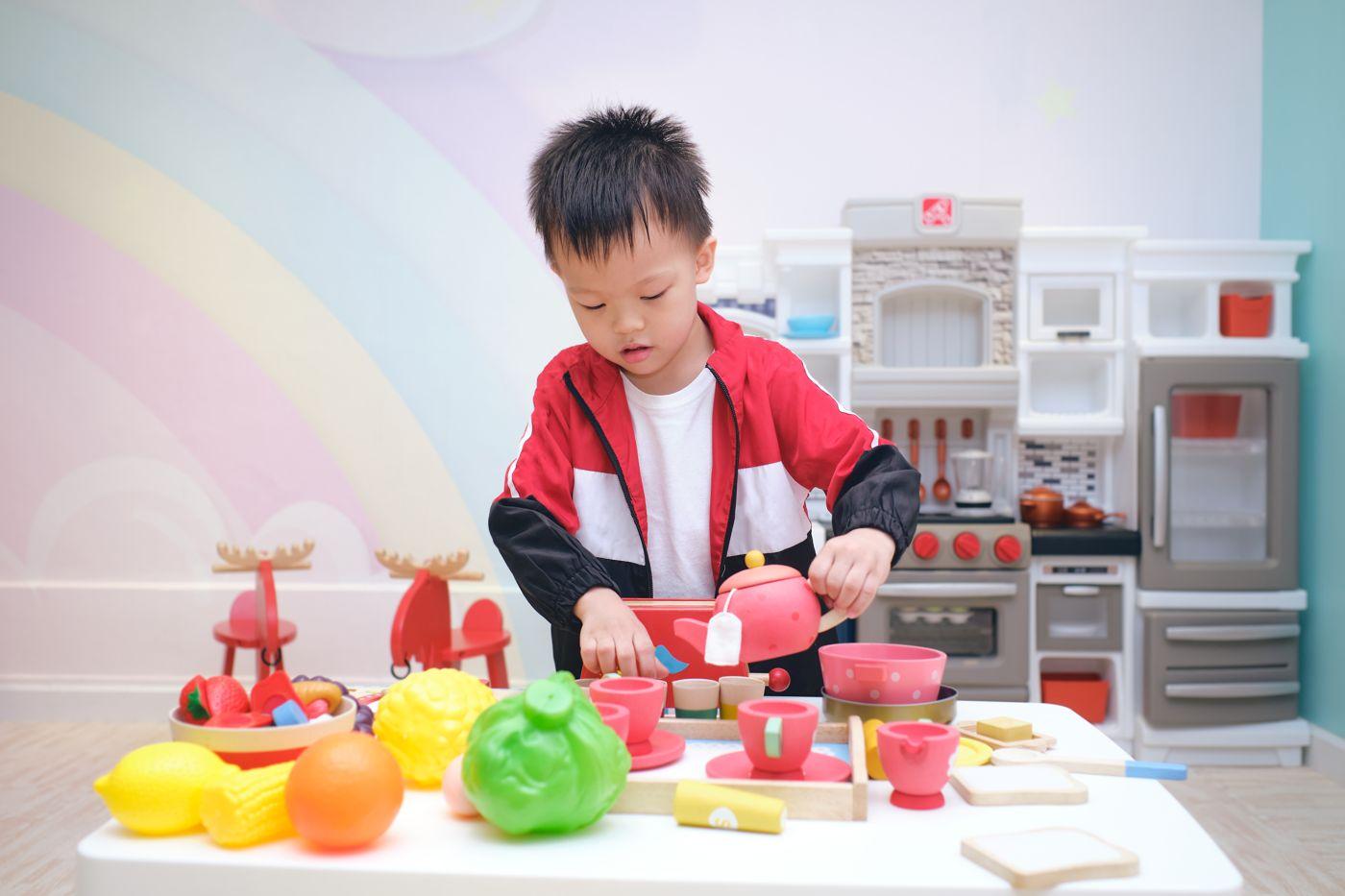Zabawkowe kuchnie dla dziewczynek - wybieramy najciekawsze propozycje dostępne na rynku
