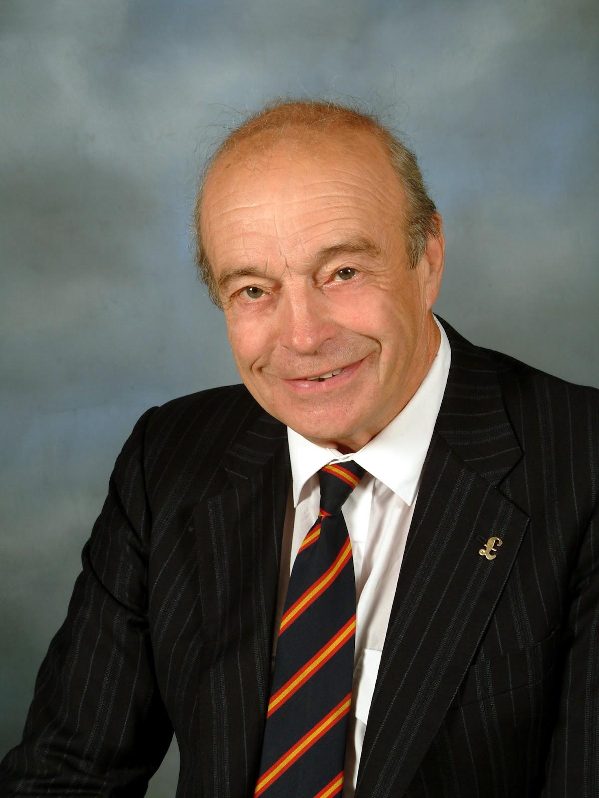 UKIP - vs - EUkip: #0744* - UKIP Loses Another Councillor