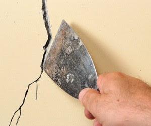 Perbaiki semua Retak di Rumah Anda