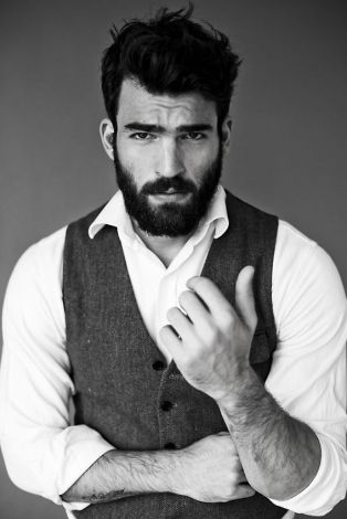 Prime The Bloomin39 Couch For Him The Best Beard To Suit His Face Short Hairstyles Gunalazisus