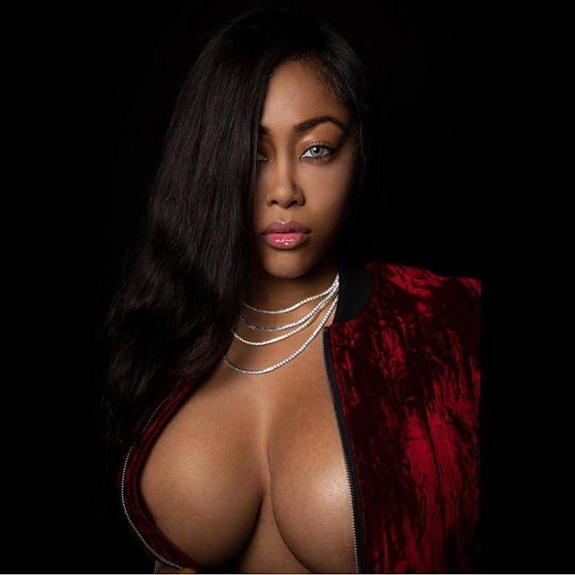 Moriah Mills Hot & Sexy pics