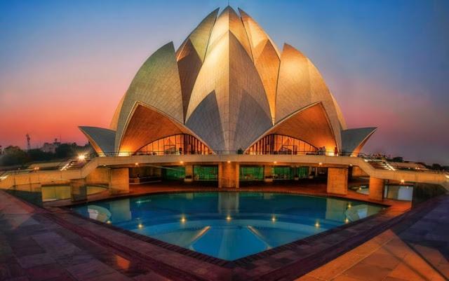 Pergi melihat Lotus Temple