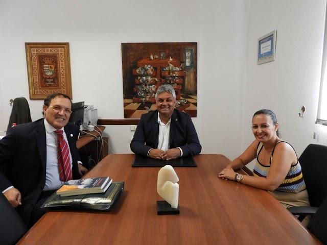 Fuerteventura.- Cónsul General de Marruecos en las Islas Canarias visitó Ayuntamiento de Puerto del Rosario