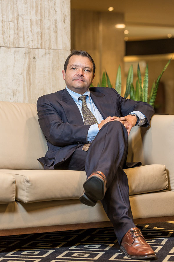Daniel-Piñeros-Gerente-General-movich-hotels