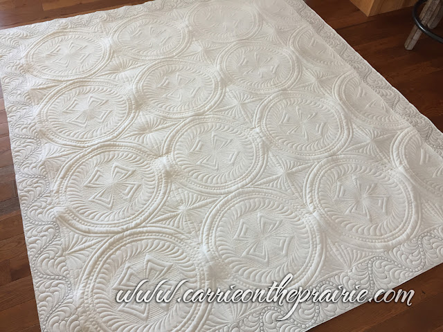 http://carrieontheprairie.blogspot.com/2018/04/donnas-chic-country-quilt.html