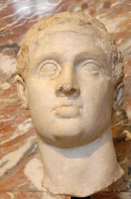Ελληνιστική προτομή του  Πτολεμαίου ΙΒ΄ Αυλητή,  πατέρα της Κλεοπάτρας Ζ΄