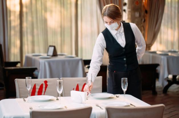 """Riapertura ristoranti, le 25 regole """"d'oro"""""""