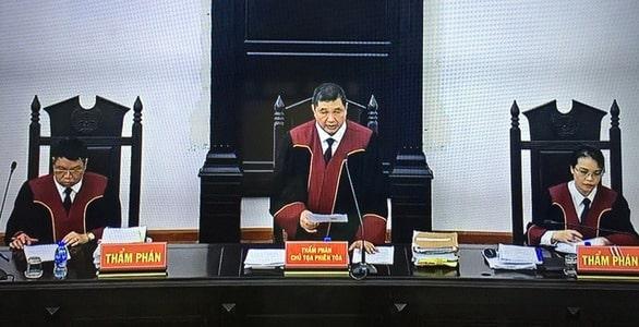 Hội đồng xét xử phiên tòa phúc thẩm