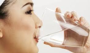 Cara Diet Sehat dengan Minum Air Putih