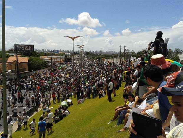 manifestação golpista em Fortaleza-CE 17 de junho de 2013