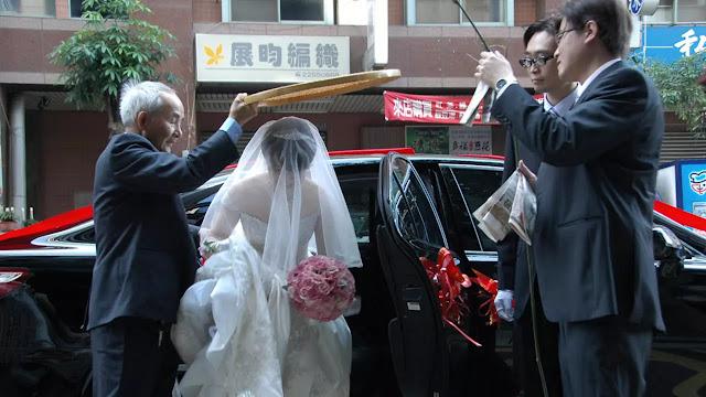للحصول على إجازة.. تايواني يتزوج أربع مرات في 37 يوما
