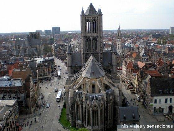 Vista desde la torre del campanario de la iglesia de San Nicolas, Gante