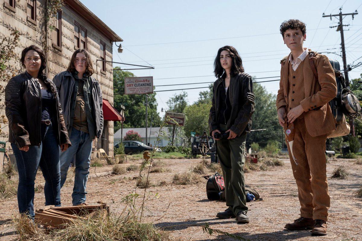 Hope, Iris, Elton y Silas, los protagonistas de The Walking Dead: World Beyond