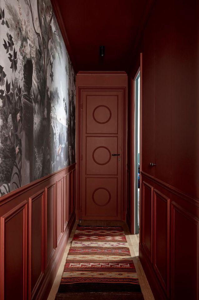 ilaria fatone - un couloir en terracotta et papier peint
