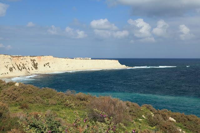 Xrobb L-Ghaġin, spiaggia rocciosa di malta