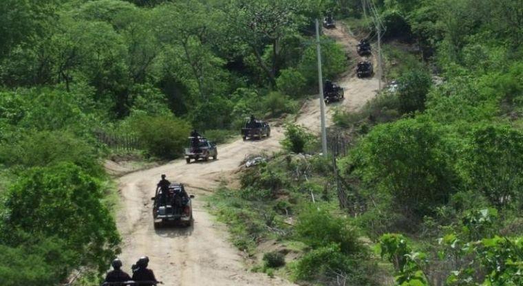 VIDEO: Sicarios en fuerte enfrentamiento contra agentes y militares en Chihuahua