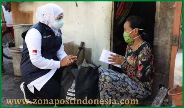 Gubernur Khofifah, Sambangi Warga Gang Kelinci Surabaya, Bagikan Ratusan Bingkisan Sembako Ceria