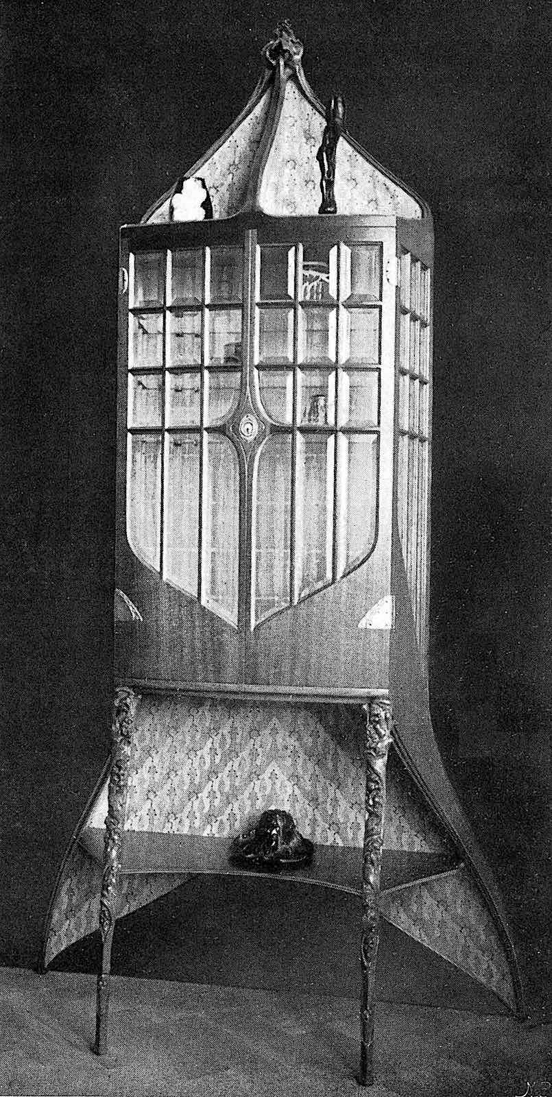 a Bernhard Pankok cabinet at the 1902 Turin Exposition