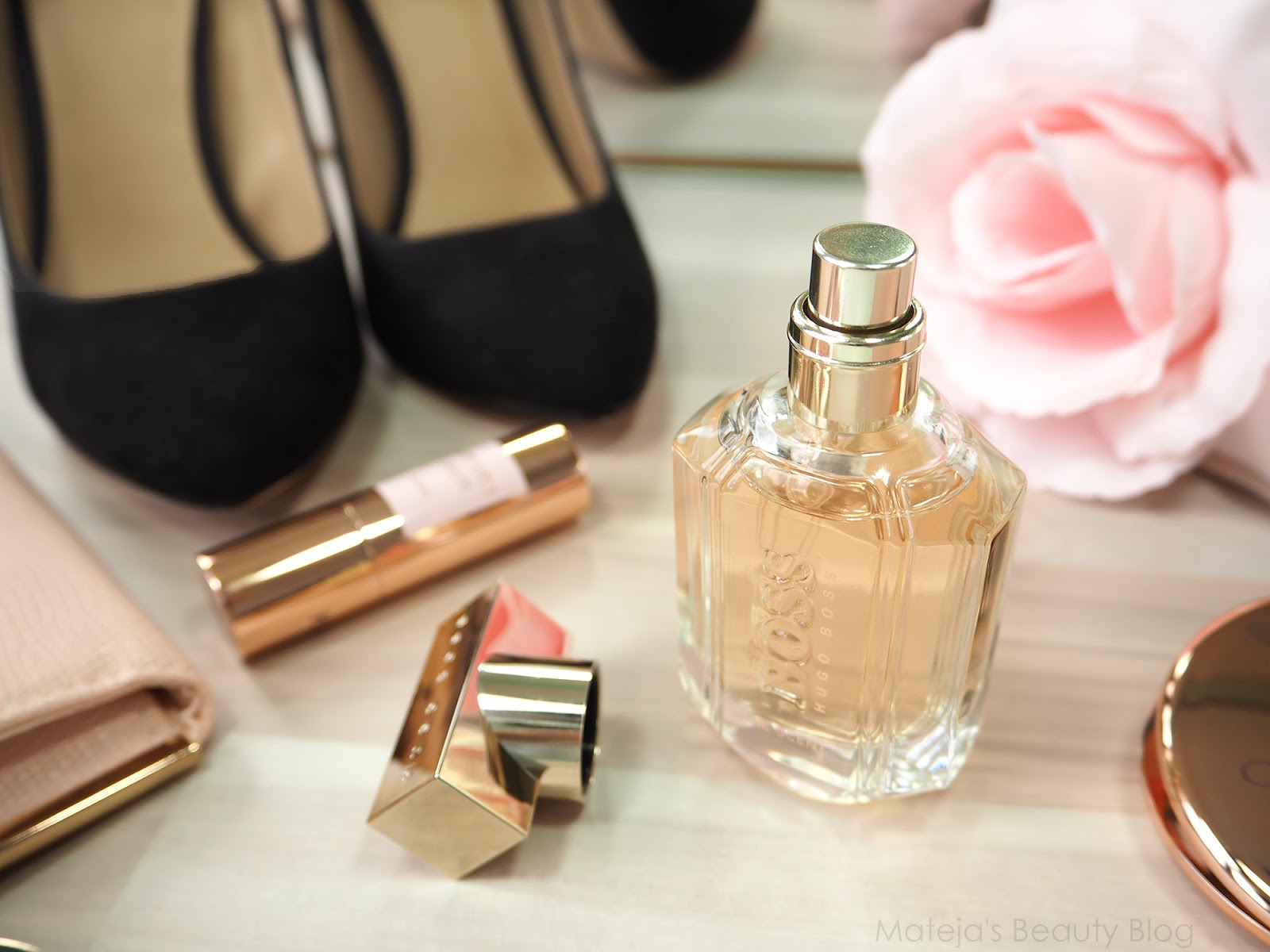 f886f35604 The Scent for Her starts with a strong peach note burst