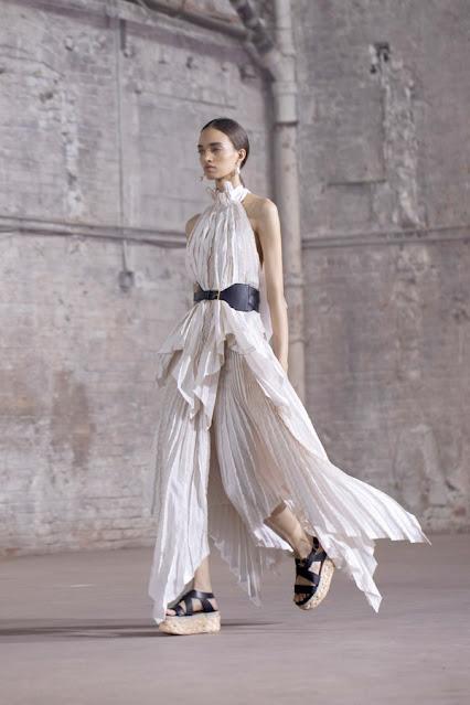 Altuzarra SS21, Fashion Show, Monochrome, trend report, fashion week, nyfw, Nyc, kelly fountain